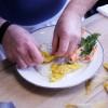 Préparation des ravioles de langoustine