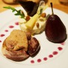 Belle entente de magret et foie gras d'oie, poire rôtie au St-Amour et écrasé de panais aux éclats d'amandes grillées