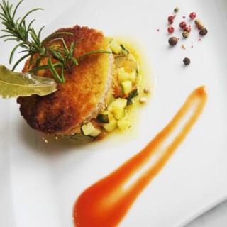 Milanaise de veau, mini ratatouille, coulis de tomate sucré / salé