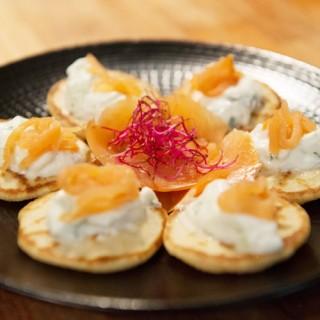 Mille-feuille saumon / tzatziki