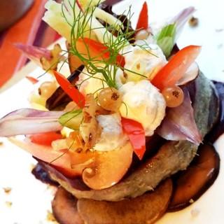 Fond d'artichaut, pommes de terre ricotta, fenouil et noix