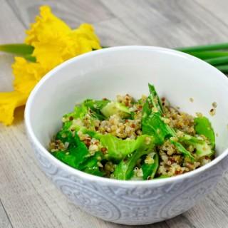 Cuisinons les épluchures : salade de quinoa et feuilles de chou-fleur