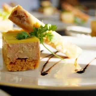 Foie gras de canard aux pommes et pain d'épices