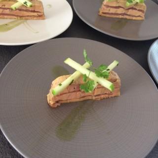 Mille-feuille foie gras, féra fumé, pomme verte
