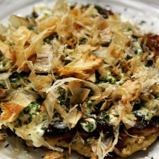 Okonomiyaki, une des plus connue spécialité d'Osaka