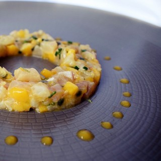 Tartare de dorade royale à la mangue et aux fruits de la passion