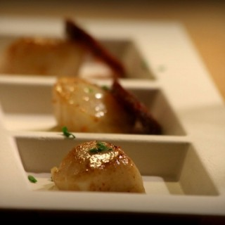 Saint-Jacques snackées, sauce noisette