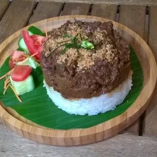 Boeuf Rendang: ragoût de boeuf mariné dans son lait de coco épicée