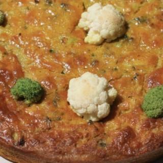 Kookoo Kalam Brokoli (omelette typique persane avec un mélange d'épices, chou fleur et brocolis)