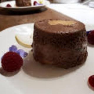 Charlotte chocolat/poire sur gélée de poire vanille