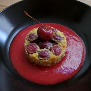 Clafoutis de cerise et soupe de fraise