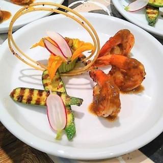 Poêlée de crevettes et petits légumes