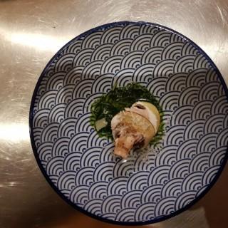 Saint Jacques, jus estragon épinard, champignon de paris et parmesan
