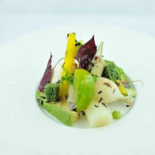 Salade de légumes, hibiscus, betteraves, coques