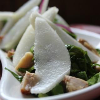 Salade gourmande d'épinards aux poivres de Penja