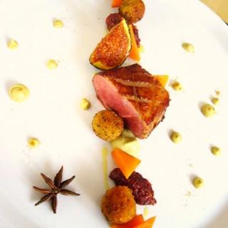 Cromesquis et suprême de canard - chutney de figues - potirons aigre-doux - douceur pistachée