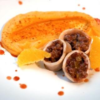 Encornet farçi chorizo - orange & purée de butternut confit