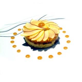 Brioche façon pain perdu, caramel au beurre salé et fruits de saison en trois façons