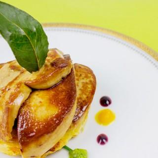 Escalope de foie gras sur tatin de boudin blanc